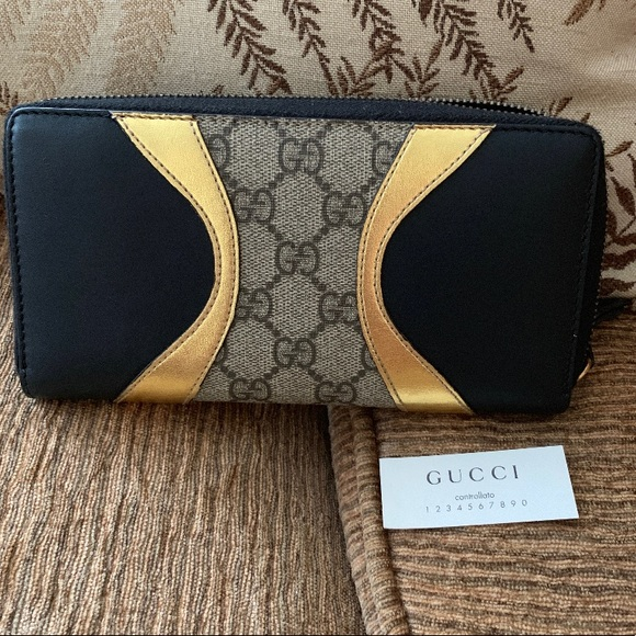 Handbags - gucci osiride wallet gg surpreme wallet